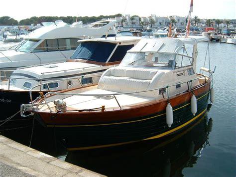 barca cabinata usata apreamare 7 5 semi cabinato in cala 180 n bosch barche a