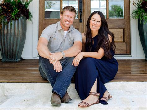 where do chip and joanna gaines live hgtv fixer upper reno from 80s to elegant hgtv s