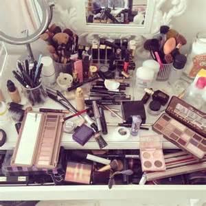 Makeup And Vanity Set Wilderness Rar Via Image 2977351 By Bobbym On Favim