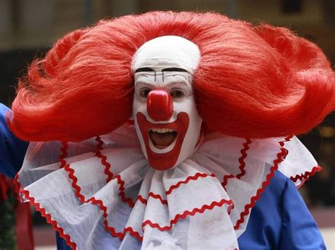 Bozo The Clown L pin by joelle lapoujade on clowns
