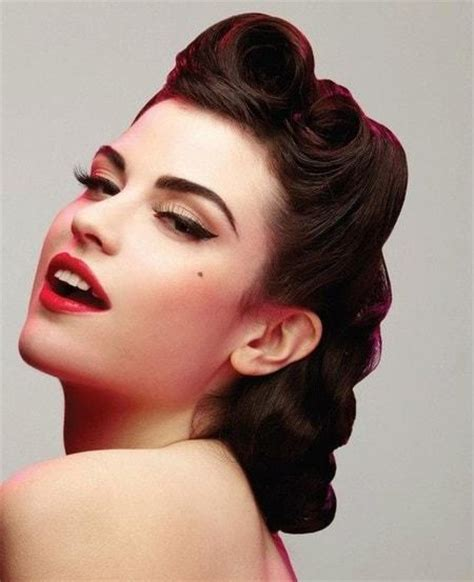 how to roll front of hair 25 vintage victory rolls from 1940 s any woman can copy