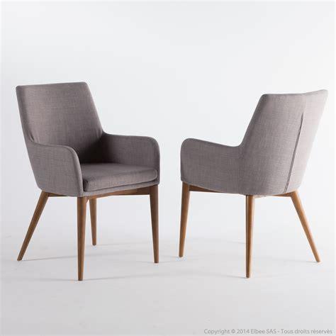 chaise tissu avec accoudoir chaise avec accoudoirs en tissu gris clair avec pi 232 tement