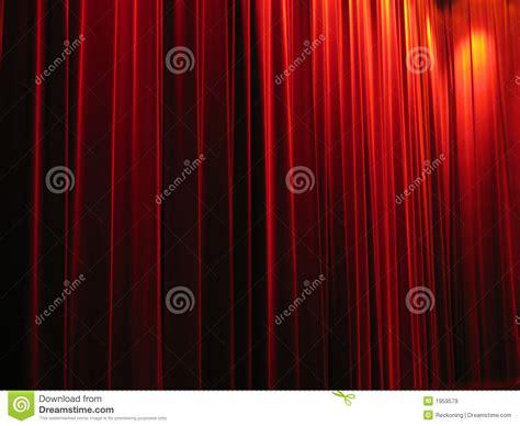 tende rosse tende rosse teatro immagini stock libere da diritti