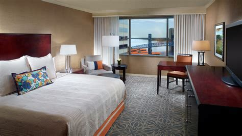 hotels with in room jacksonville fl hotel suites in jacksonville fl omni jacksonville hotel
