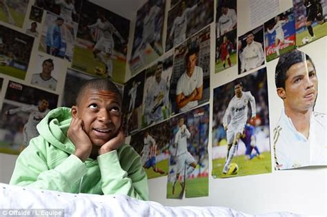 kylian mbappé petite amie mbappe s rise from ronaldo fanboy to knocking messi out of