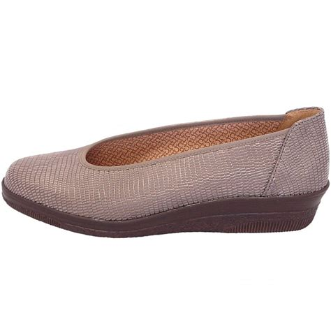 gabor shoes piquet low wedge shoe in taupe mozimo