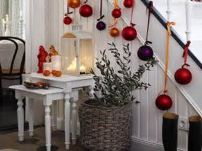 easy way to decorate home 23 gorgeous christmas staircase decorating ideas