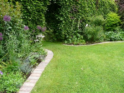 Landscape Edging Materials Lawn Edging Patios And Drives