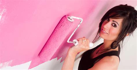come tinteggiare un soffitto pitturare soffitto con rullo imbiancare casa utili