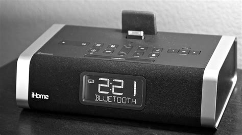 your clock radio with an iphone ihome id50 the