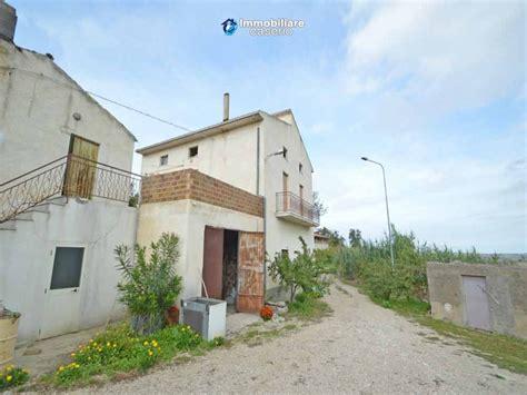 terrazzo comune casa con grande terrazzo e terreno in vendita in abruzzo