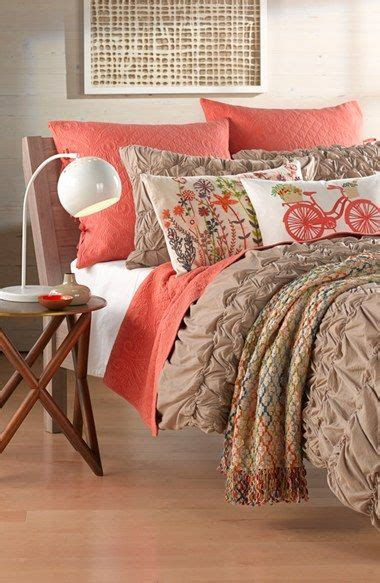 love  coral accents   bedding  favorite