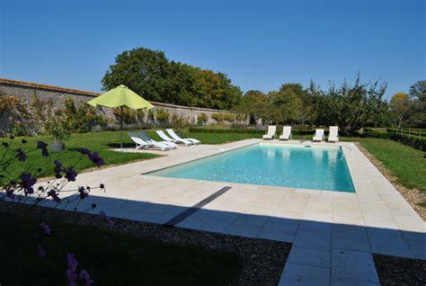 piscine dans la chambre relaxation ch 226 teau la touanne chambres confortables