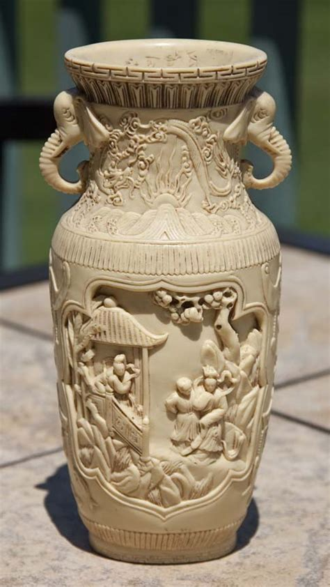 Ivory Vases by Forums Detail List
