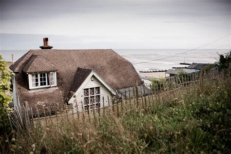 artists house whitstable howling basset wedding photography howling basset wedding