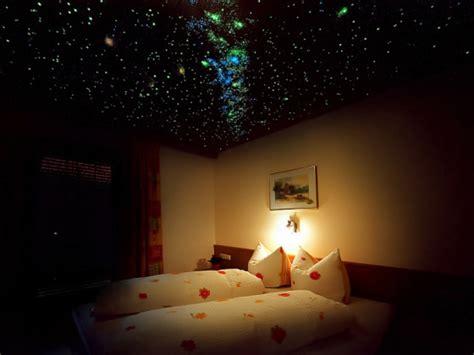 sternenhimmel schlafzimmer 44 fotos sternenhimmel aus led f 252 r ein luxuri 246 ses interieur