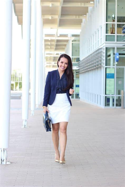 outfit  navy blue coat  ways  wear navy blue coat