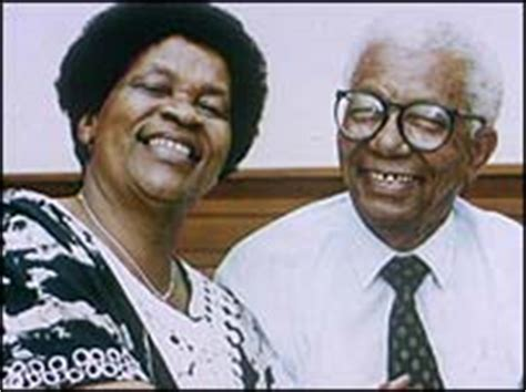 medical biography exle african success biography of nontsikelelo albertina sisulu