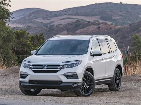 Best Family Sized Suv by 2018 Pilot Cr V And Odyssey All Win In Kbb S 2018 12