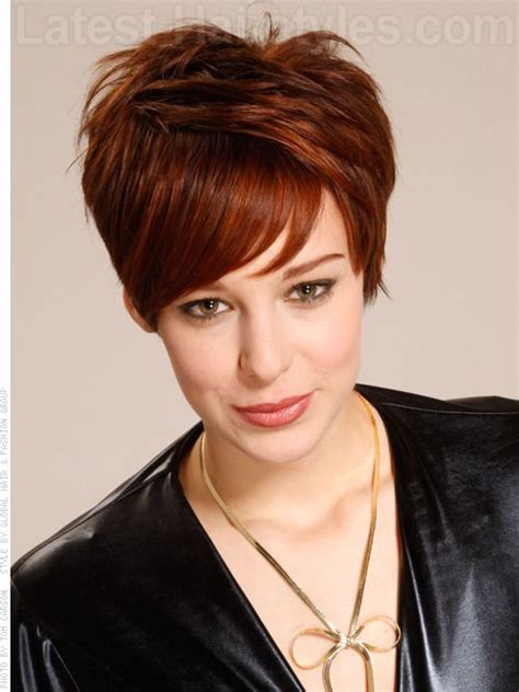 best hairstyles for 39 year old woman i like how the top is laying in one direction and the bang