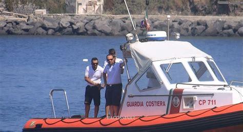capitaneria di porto di pozzuoli sequestro di molluschi della guardia costiera di pozzuoli