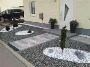 gartengestaltung vorgarten mit kies gestalten vorgarten gestalten kies kunstrasen garten