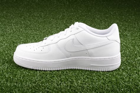 nike all white shoes nike air 1 low gs all white shoes casual sil lt