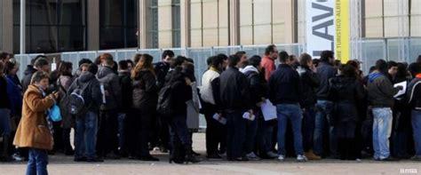 ufficio collocamento casarano disoccupazione giovanile sale al 38 4 in un anno persi