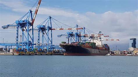 torre porto genova porto di genova 9 milioni per torre piloti e ribaltamento