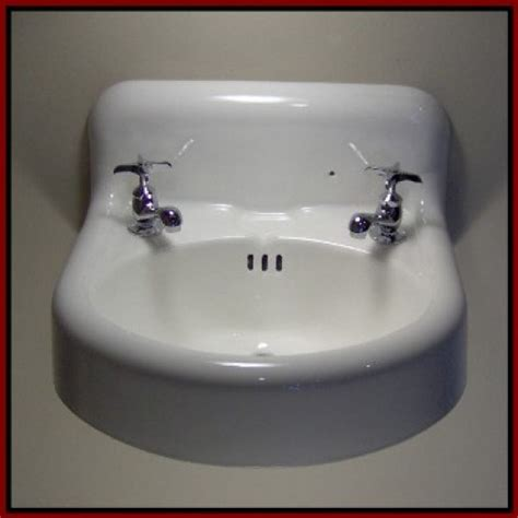 Vintage Bathroom Sink by Vintage Tub And Bath Fixtures With Photos