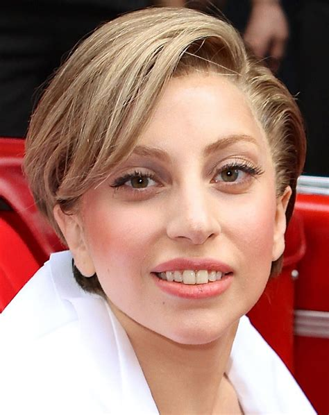 biography lady gaga short lady gaga profile biodata updates and latest pictures