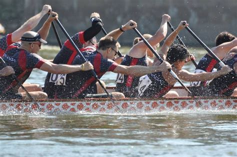 paddles up dragon boat racing in canada 75 best images about dragon boating on pinterest happy
