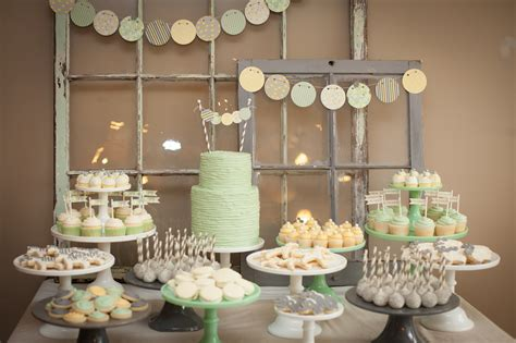 Baby Shower Table | bachelor couple jason and molly mesnick s baby shower