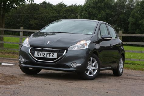 peugeot 208 sedan peugeot 208 hatchback 2012 photos parkers