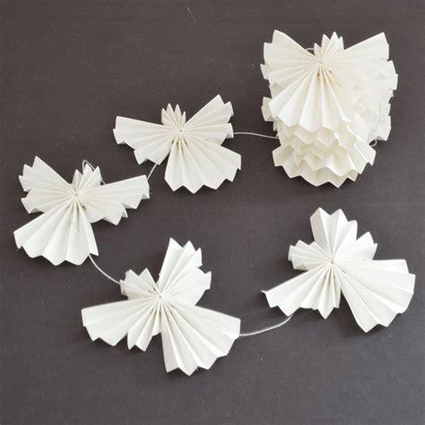 white paper christmas decorstions різдвяний янгол з паперу ідеї та схеми ідеї декору