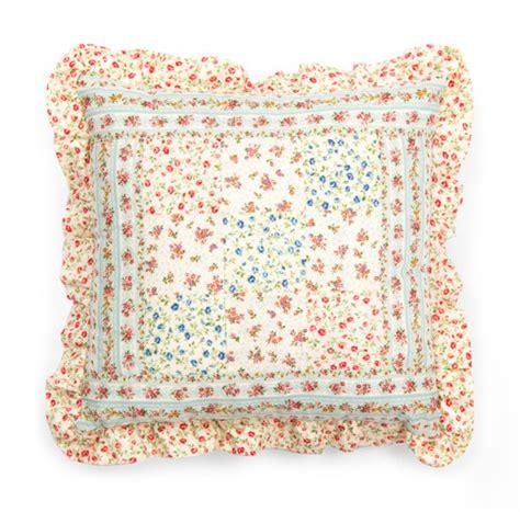Patchwork Pillow Pattern - patchwork pillow free pattern robert kaufman fabric company