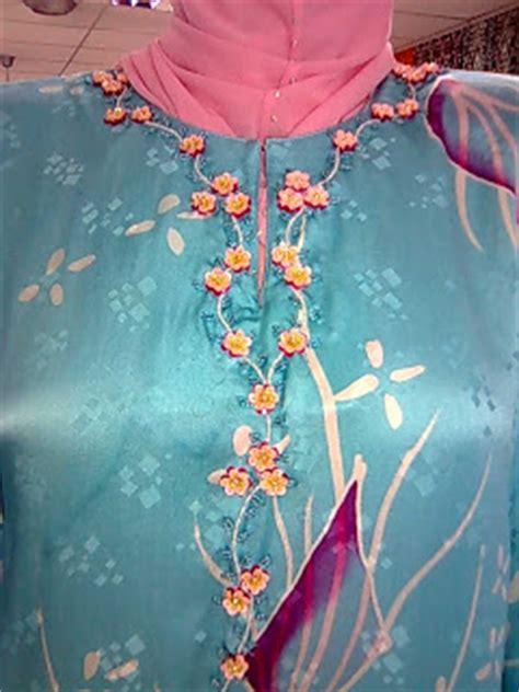 Pashmina Bunga Exclusive Syal Bunga Exclusive batik sireh collection tempahan jahit manik