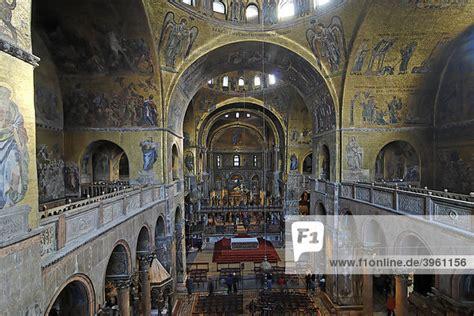 markusdom innen europa italien markusdom venedig venezia kirchenschiff