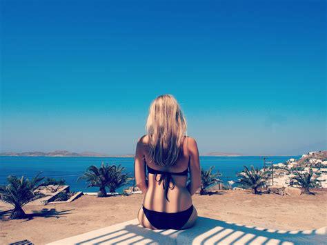 communal bathroom meaning travel guide mykonos greece london new girl