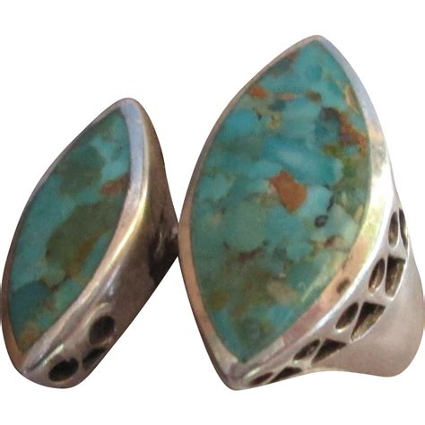 beautiful vintage sterling silver turquoise ring from