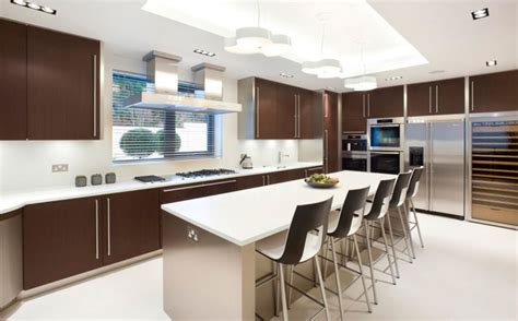 table and chairs in modern kitchen decobizz