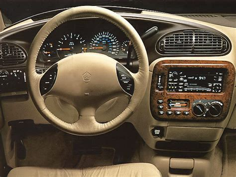 98 chrysler town and country 1998 chrysler town country overview cars
