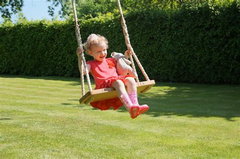children on swing personalised garden rope swings makemesomethingspecial