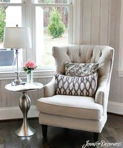 bedroom table and chair 25 best ideas about bedroom reading chair on pinterest