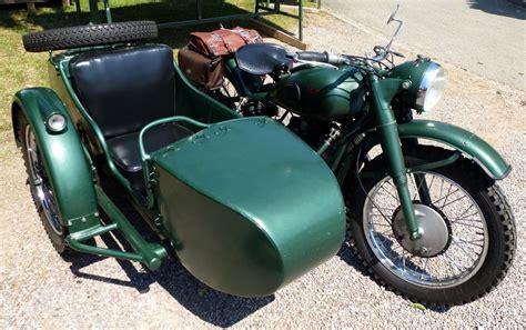 Motorräder Mit Beiwagen Oldtimer by Ural Fotos Fahrzeugbilder De