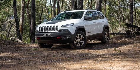 2016 jeep grand cherokee trailhawk 2016 jeep cherokee trailhawk review caradvice