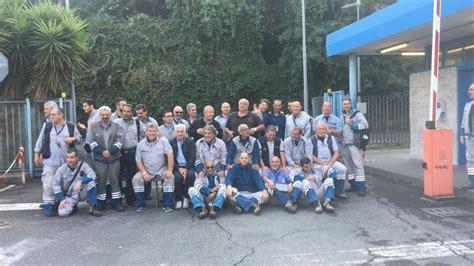 sede italgas roma roma protesta italgas gli operai occupano la sede di