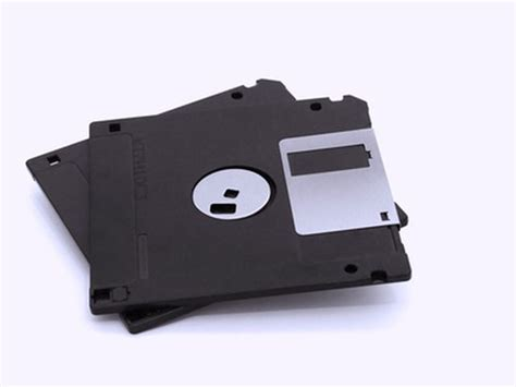 Disk Drive what is the purpose of a floppy disk drive techwalla