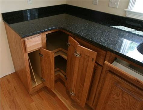 Countertops For Oak Cabinets by Oak Kitchen Cabinets With Granite Countertops Design