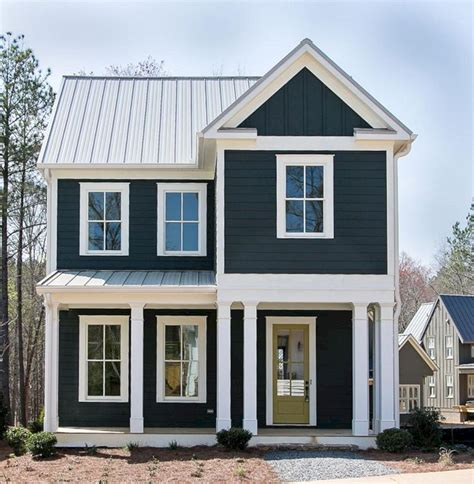 what color is the white house navy blue and white exterior house paint colors navy blue